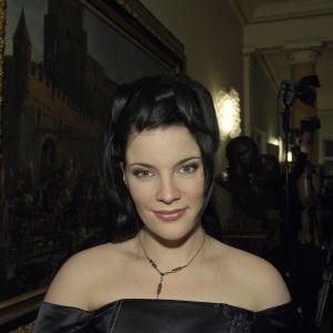 Sångaren Hanna Pakarinen på presidentens slott 2005.
