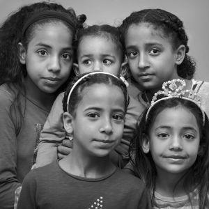 Irakiska barn som hotas av utvisning.