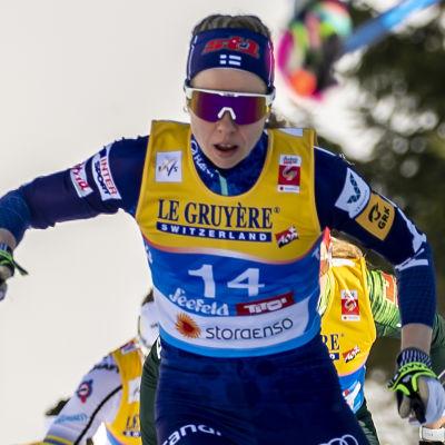 Laura Mononen.