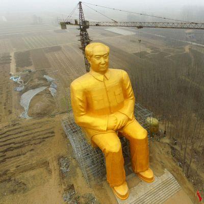 Mao Zedongia esittävä patsas Kaifengissa, Kiinassa, valokuvattuna 4. tammikuuta.
