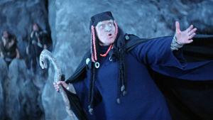 Louhi, Pohjan akka elokuvassa Sampo.