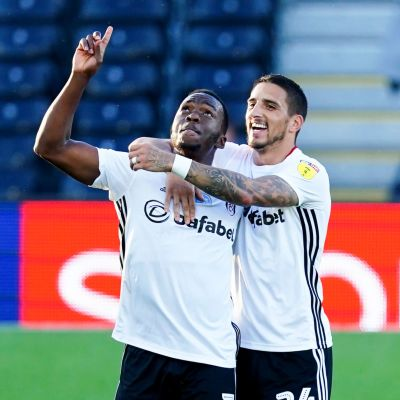 Neeskens Kebano (till vänster) och Anthony Knockaert firar Fulhams 1–1-kvittering.