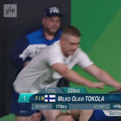 Painonnostaja Mikko Olavi Tokola pyörtyi nostettuaan 175 kiloa Rion olympialaisissa.