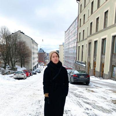 Elsa Kemppainen framför Hagnäs