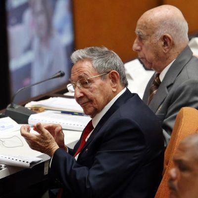 Presidentti Raúl Castro osallistui kansalliskokouksen istuntoon keskiviikkona.