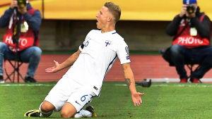 Alexander Ring firar mål mot Island.