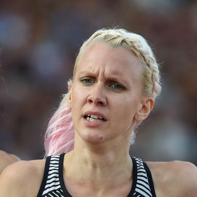 Sandra Eriksson springer i Åbo sommaren 2016.