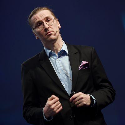 Kuvassa on Mikko Hyppönen vuonna 2015.