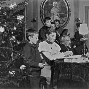 Jul hos familjen Topelius, 1897