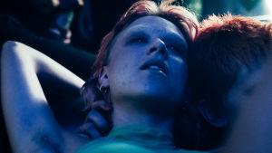Huvudpersonen från serien Noia på fest.