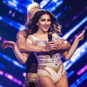 Rafaela Truda esiintymässä Uuden Musiikin Kilpailussa Karsinta 2:ssa.