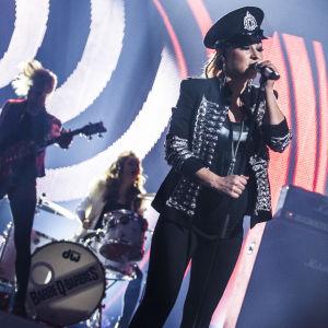 Barbe-Q-Barbies esiintymässä Uuden Musiikin Kilpailussa Karsinta 3:ssa.