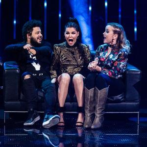 Saara Aalto, Joy Deb ja Linnea Deb kuulevat äänestystuloksesta Uuden Musiikin Kilpailussa 2018