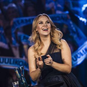Tuuli Okkonen Uuden Musiikin Kilpailun finaalissa.