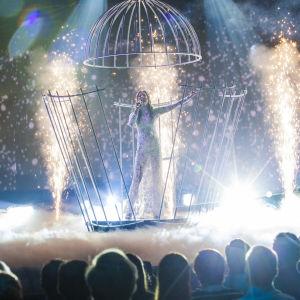 Ylona esiintymässä Uuden Musiikin Kilpailussa Karsinta 2:ssa.