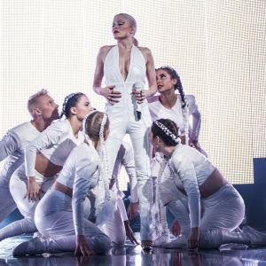 Chisu esiintymässä Uuden Musiikin Kilpailussa Karsinta 3:ssa.