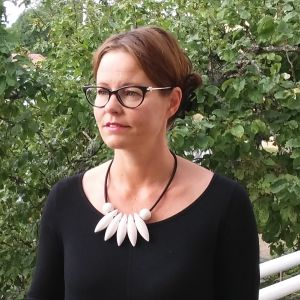 Kulturredaktör Camilla Lindberg är uppsagd från sin tjänst vid tidningen Västra Nyland.