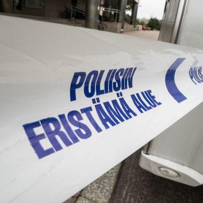 Poliisin eristämä alue.