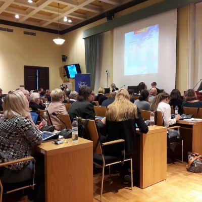 Stadsfullmäktige i Vasa behandlar budgeten.