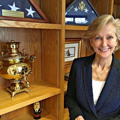 Suurlähettiläs Nancy McEldowney.