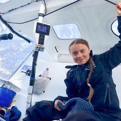 Greta Thunberg postaama kuva Twitterissä