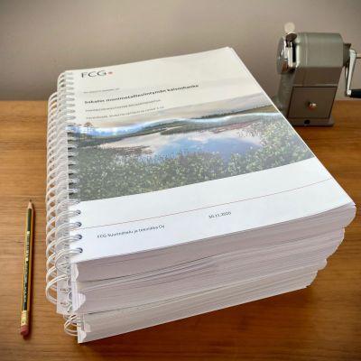 Sakatin kaivoshankkeen YVA-raportti on noin 2000-sivuinen järkäle.