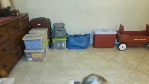 Ellinor och Fran Seiplax har packat undan sina saker i Florida.