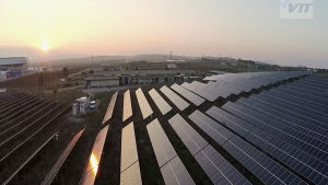 Solkraftverk i Grekland deltar i VTT:s drönarprojekt.