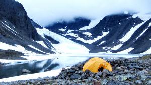 Teltta jäätiköllä