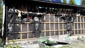 Garage som brunnit i Norike.