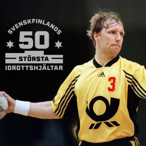 Mikael Källman spelar i Tusem Essen säsongen 1998/1999. På bilden också logon för Svenskfinlands 50 största idrottshjältar.