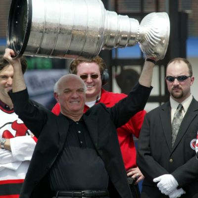 Lou Lamoriello och Stanley Cup.