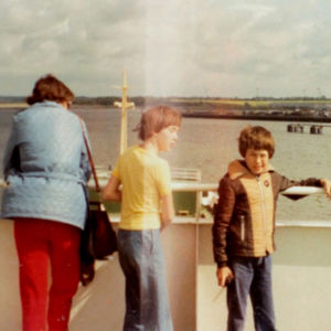 Websterin perhe matkalla Englantiin.