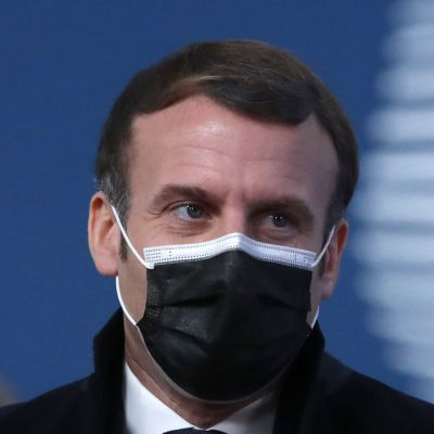 Emmanuel Macron iklädd munskydd 14 december 2020.