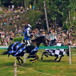 tornerspel till häst