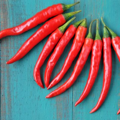 Punaisia chilejä.