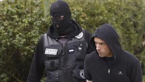 Etas militära kommendör Mikel Irastorza greps i fjol höstas i Frankrike. Flera hundra Eta-medlemmar har gripits under de senaste åren, bland dem alla högsta ledare