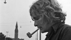 Erik Uddströn Sakari Rimmisen elokuvassa Pilvilinna (1970)