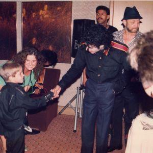 Wade Robson möter Michael Jackson för första gången.