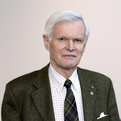 Carl G. Gahmberg.