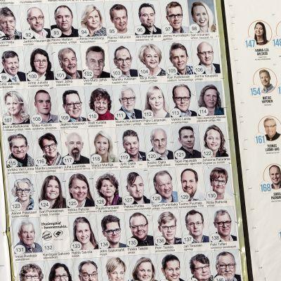 Kunnallisvaaliehdokkaita Kokkolassa.