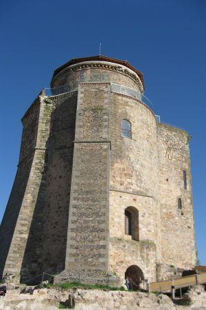 Alban herttuoiden linnapalatsin torni.
