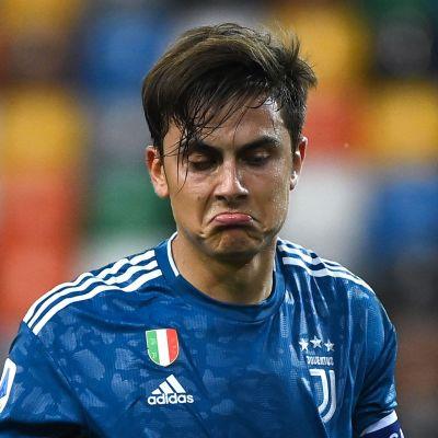 Paulo Dybala i Juventus ser besviken ut.