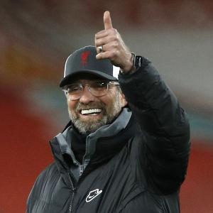 Under uppvärmningen var Liverpools tränaren Jürgen Klopp på gott humör.