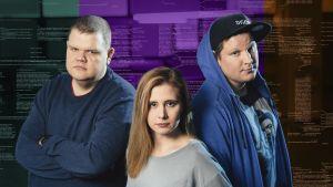 Hakkerit Iiro Uuistalo, Laura Kankaala, Benjamin Särkkä seisovat rinnakkain.
