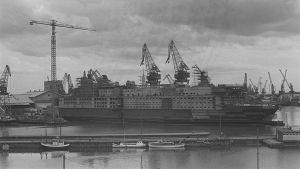 Finnjet rakenteilla Wärtislän telakalla