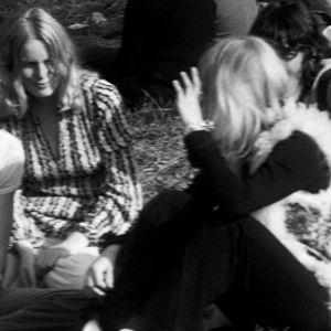Pukeutumismuotia Ruisrockissa 1970.
