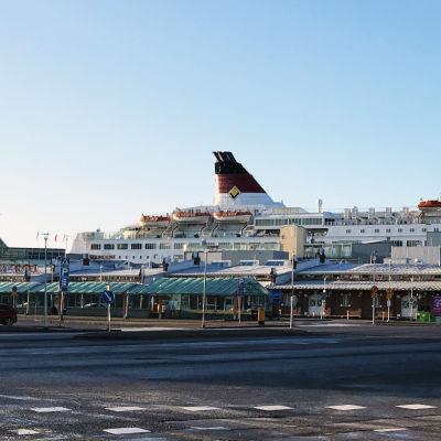 Tomt i Åbo hamn då effektiverad gränbevakning införs.