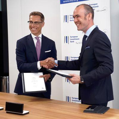Euroopan keskuspankin Alexander Stubb ja Nokian Kristian Pullola