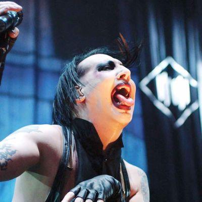 Marilyn Manson vuonna Ozzfest-festivaaleilla vuonna 2003.